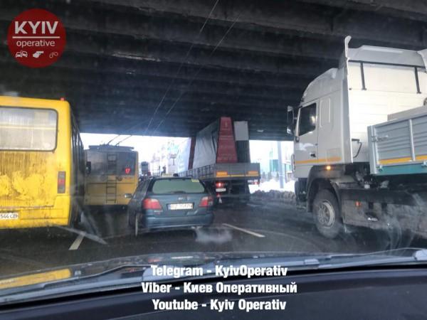 Происшествие случилось под Воздухофлотским мостом