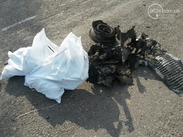 В Мариуполе на блокпосту взорвались Жигули