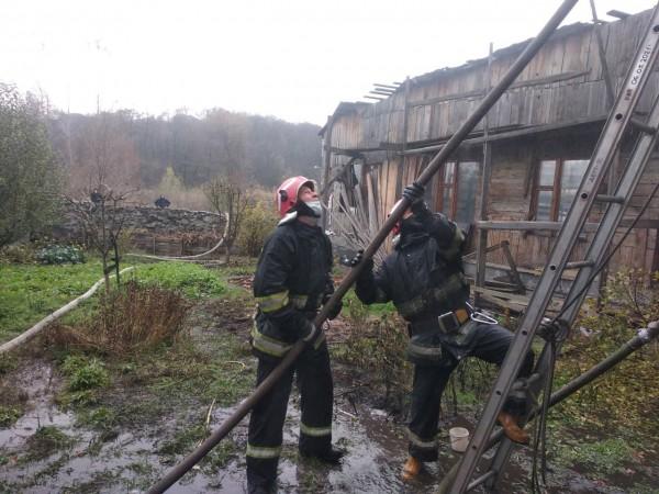 Соседние постройки тоже рисковали загореться