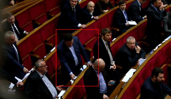 Яценко умудрился нажать кнопку за пятерых депутатов