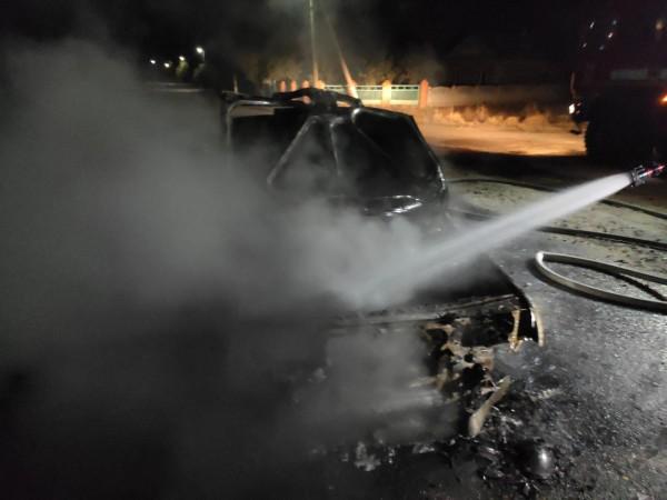 Пожар тушило 5 человек