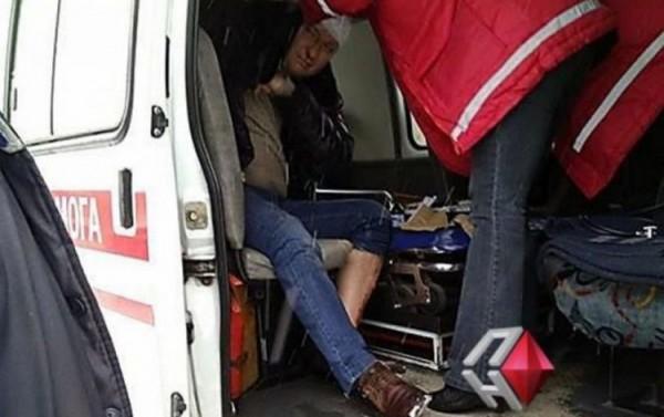 Люди в костюмах Дедов Морозов избили депутата