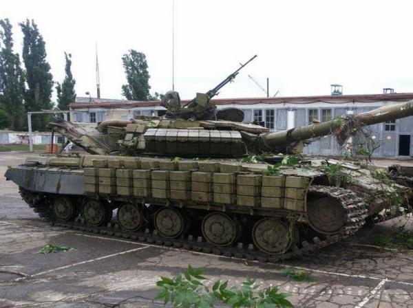 Захваченный танк, который использовали террористы