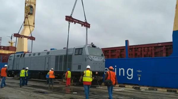 Второй локомотив уже отправился из США и ожидается 25 сентября