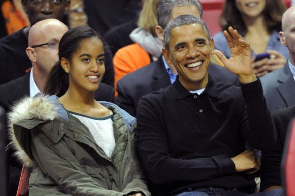 Малия Обама с отцом