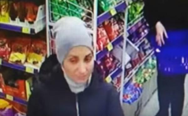 Преступники обчищают карманы и сумки покупателей