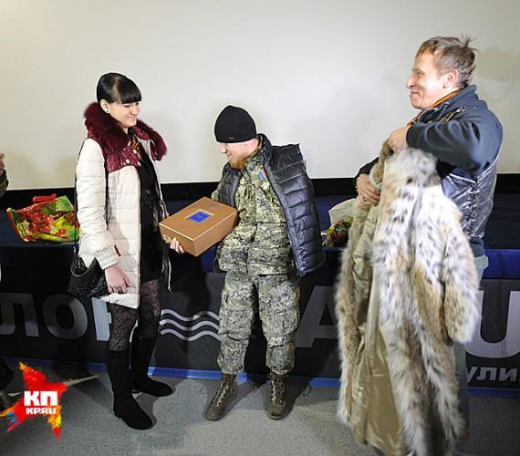 Террористу Мотороле Охлобыстин подарил спиртное, его жене - шубу