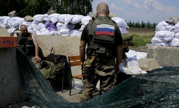 На Донбассе расположились девять тысяч российских военных