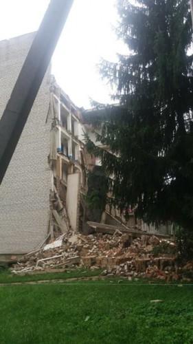 Разрушенное здание общежития