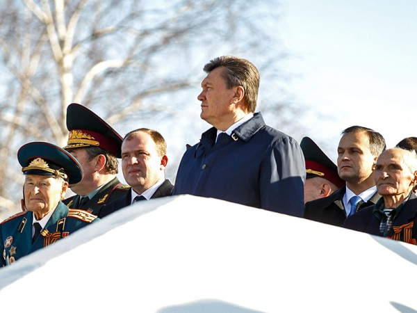 На реконструкцию и парад приехал и Президент Виктор Янукович