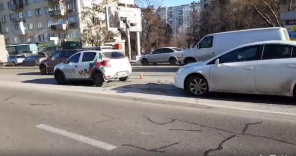 Также из-за нарушительницы разбились Chevrolet и Renault