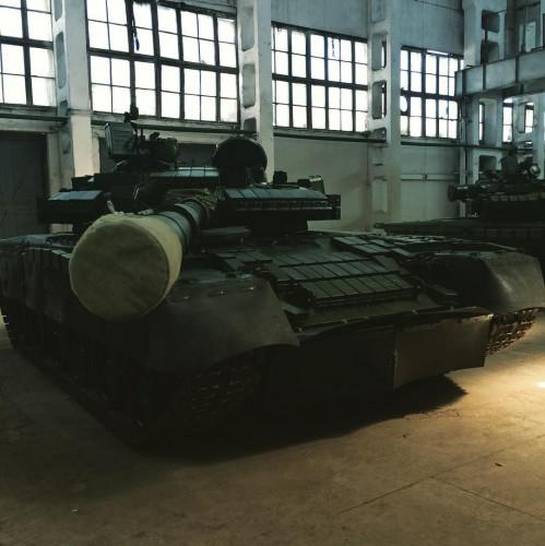 Очередная партия красавцев-танков Т-80 будет отправлена на передовую, - Порошенко - Цензор.НЕТ 6451