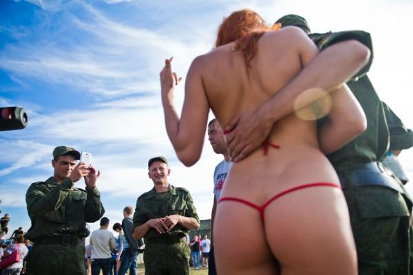Главную харьковскую коммунистку Александровскую облили зеленкой во время митинга - Цензор.НЕТ 5411