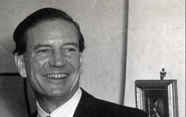За годы работы в МИ-6 Филби передал советской стороне около тысячи секретных документов.