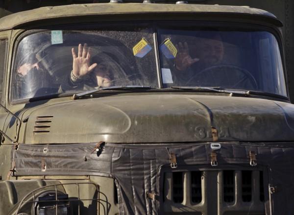 Украинские военные эвакуировались из Дебальцево