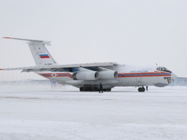 Ил-76 доставил часть медикаментов в Ростов