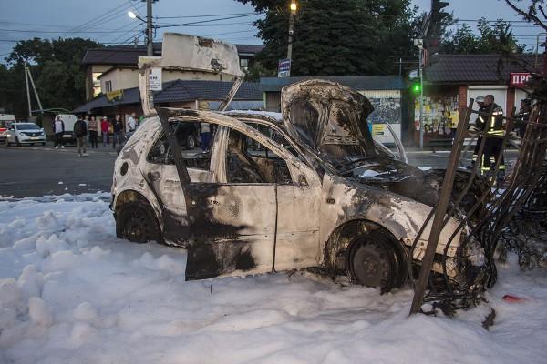 Авто полностью выгорело
