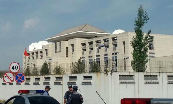 КНР резко осуждает теракт, совершенный натерритории посольства Китая вКыргызстане