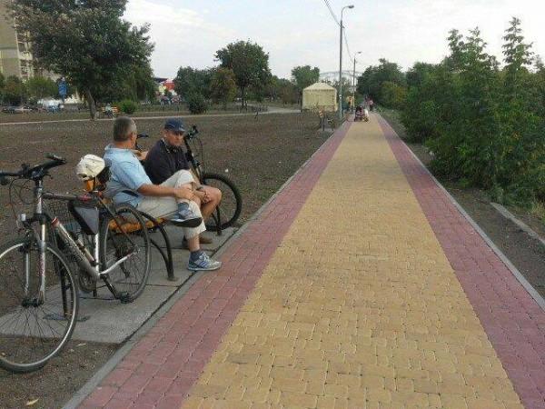 В парке появились новые тротуары
