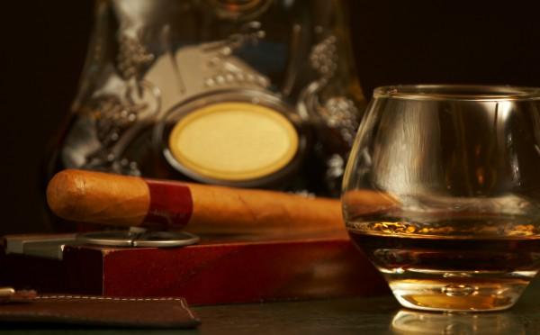 Сигары - лучшая закуска к любому коньяку