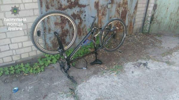 Краденый велосипед принадлежит соседке  потерпевшей