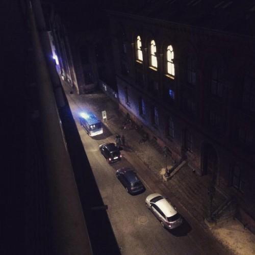Теракты в Копенгагене: стрельба в кафе и синагоге. Восзле синагоги, где открыли стрельбу