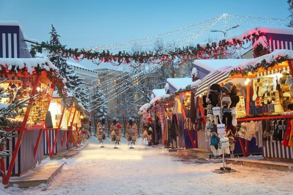 Арка подарков - новая рождественская ярмарка возле Арки Дружбы народов