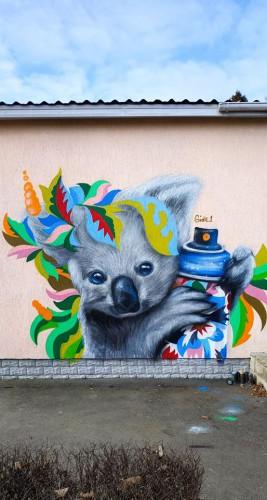 В Киеве появился мурал с коалой