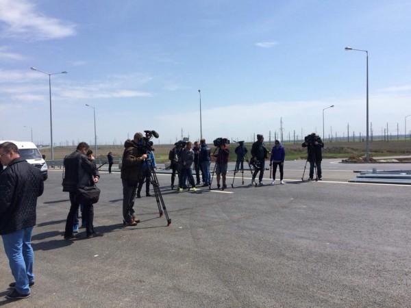 Фотографии Керченского моста были выложены в Facebook