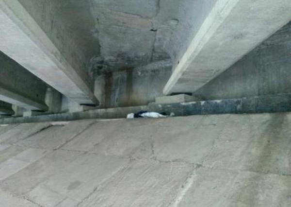 У основания моста обнаружили готовый к применению РПГ-26