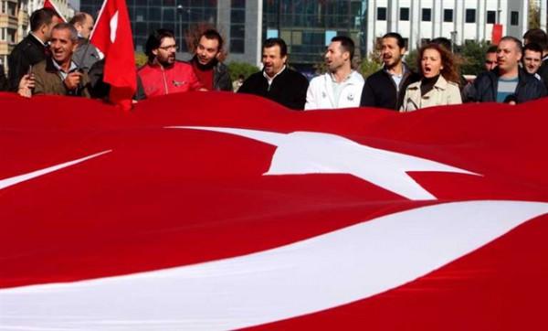 Евросоюз может отменить визы для граждан Турции, но с большой неохотой