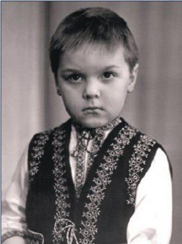 Олег Тягнибок любил плавание и футбол