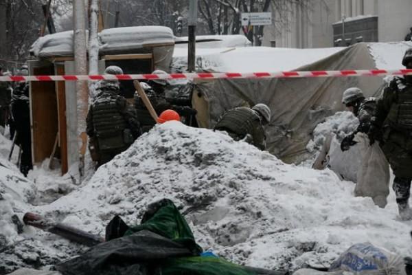 Сравнение своих действий с действиями Захарченко Аваков назвал манипуляцией