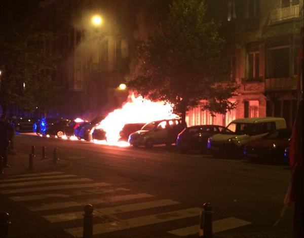 Ночью сгорели восемь машин