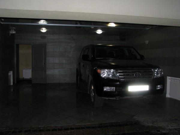 Toyota LandCruiser в гараже Симоненко
