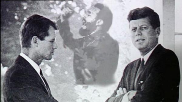 Брат Джона, Роберт Кеннеди, боролся с организованной преступностью
