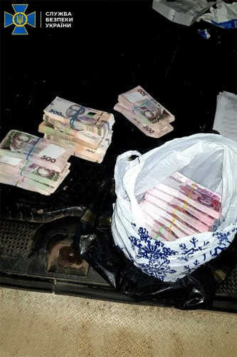 Коррупционер послал за деньгами посредника