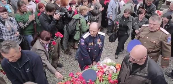 Виктор Винниченко в 2014 году участвовал в похоронах террористов