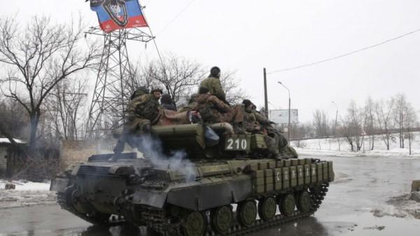Боевики перекидывают технику возле Луганска