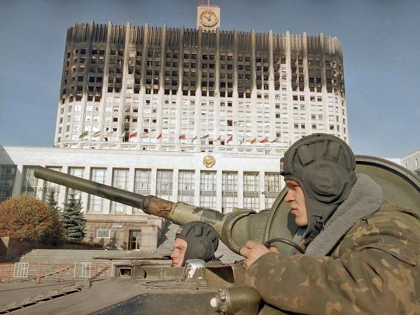 использовалась хроника для фильма гостиница россия дача кочубеевском