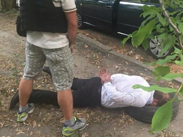 Задержание работника прокуратуры Киевской области сотрудниками СБУ и ГПУ