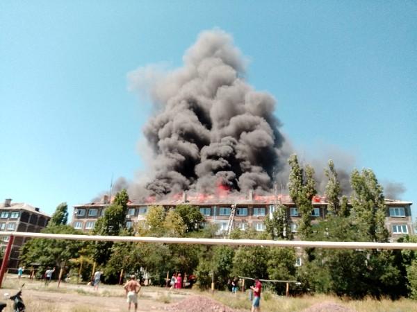 От огня пострадали верхние этажи