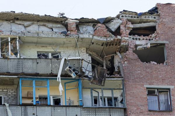 Картинки по запросу города бомбежка Донбасса картинки