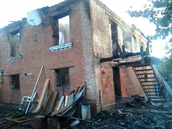 Тела детей обнаружили на втором этаже горевшего здания