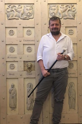 Мосийчук со своей тростью
