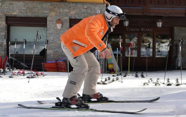 Вадим Новинский катается на лыжах в Куршевеле