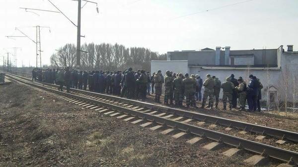 Участники блокады продолжат задерживать поезда в Конотопе