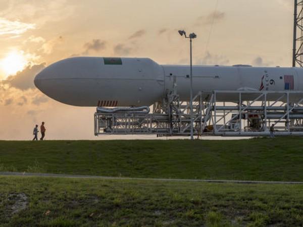 Запуск SpaceX вновь отменили