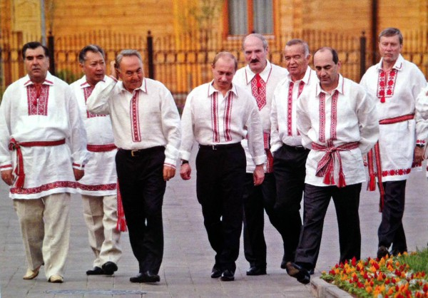 Путин в вышиванке