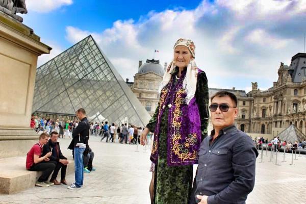 С сыном в Лувре